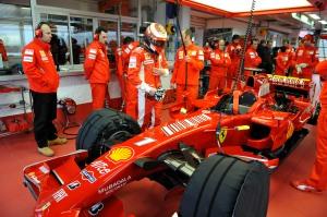 La Escuderia Ferrari piensa dejar toda competencia organizada por la FIA, si es que se sigue con la política de reducción de presupuestos. Sería una dolorosa decisión tanto para la competencia, como para los miles de fanáticos del Teams del Cavallino Rampante.